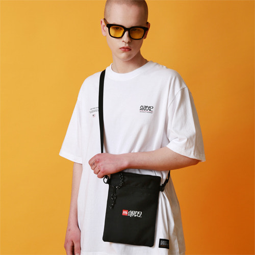 SC19 SHOULDER POUCH (BLACK)